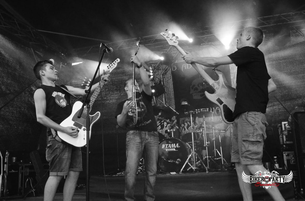 rock_out_band-3